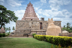 Antyczna Hinduska świątynia w India - frontowy widok Fotografia Stock