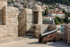 Antyczna kamienna ściana Dubrovnik Stary miasteczko, oszałamiająco fortyfikacyjny system, Chorwacja obraz stock