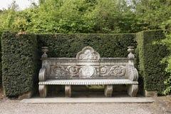 Antyczna kamienna ławka w parku Obrazy Stock