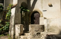 Antyczna kaplica w Otrębiastym kasztelu, Rumunia Antyczny dom wampir Dracula obrazy stock