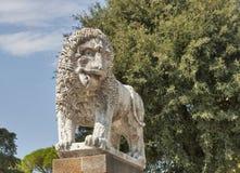 Antyczna lew statua w Lucca, Włochy fotografia stock