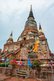 Antyczna pagoda i Buddha statua w Ayutthaya, Tajlandia Zdjęcia Royalty Free