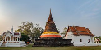 Antyczna pagoda w Buddyjskiej świątyni Sukhothai Fotografia Royalty Free