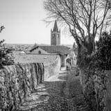 Antyczna średniowieczna droga która prowadzi od wioski Soave th Zdjęcia Stock