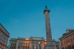 Antyczna Romańska kolumna Marcus Aurelius w piazza Colonna w Rzym obrazy royalty free