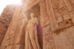 Antyczna rzeźba w ruinach ephesus w indyku Promień światło Obrazy Stock