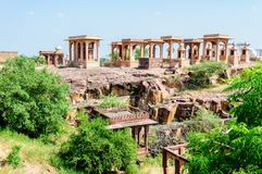 Antyczna skała wyginał się świątynie Hinduscy bóg i bogini Fotografia Stock