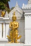 Antyczna statua zły demon chroni przejście Buddha rzeźba Bangkok Obraz Royalty Free