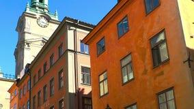 Antyczna wąska ulica w środkowym Sztokholm starego miasta zdjęcie wideo