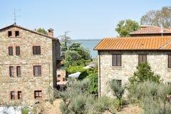 Antyczna wioska Isola Maggire Jeziorny Trasimeno w Umbria Obraz Stock