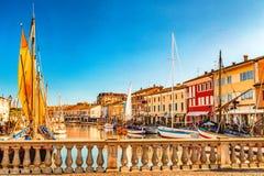antyczne żaglówki na Włoskim kanału porcie Obrazy Stock