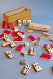 Antyczne domina i kostka do gry partie pokeru obraz stock