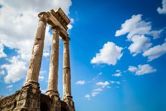 Antyczne Romańskie kolumny, Rzym, Włochy Obrazy Stock
