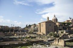 Antyczne Romańskie ruiny zdjęcie stock