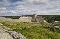 Antyczne ruiny średniowieczny forteca blisko do miasteczka Shumen obraz stock