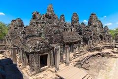 Antyczne ruiny historyczna Khmer świątynia w świątynnym compl Fotografia Stock