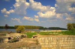 Antyczne ruiny przy Danube brzeg rzeki Fotografia Stock