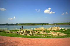Antyczne ruiny przy Danube brzeg rzeki Zdjęcie Royalty Free