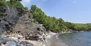 Antyczne ruiny przy przylądkiem Phaselis blisko Kemer Obrazy Royalty Free
