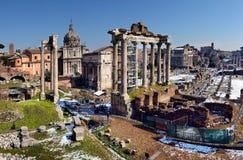 Antyczne rzymianin ruiny w Rzym W zimie, pod śniegiem Zdjęcie Stock
