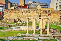 Antyczne rzymskie kolumny w Ateny mieście Obraz Stock