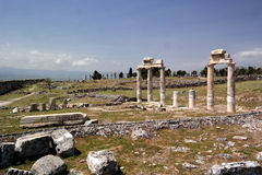 antycznego grzebalnego miasta gipsowi hierapolis zawrzeć pamukkale rzymskiego indyka krypty biel Fotografia Stock