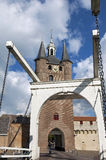 Antycznego miasta drawbridge w Zierikzee i brama fotografia royalty free