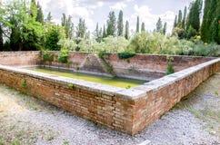 Antycznej wodnego zapasu deszczówki inkasowy basen wśrodku Monte Oliv Obrazy Royalty Free