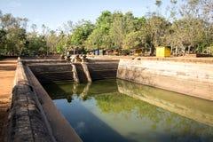 Antyczni kąpanie zbiorniki, stawy w ruinach antyczny miasto lub Zdjęcia Stock