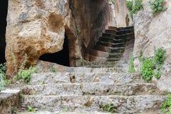 Antyczni kroki w Cappadocia i schodki fotografia royalty free