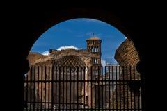Antyczni rzymscy budynki w Rzym Włochy Zdjęcia Stock