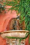 Antyczny źródło świeża woda w kącie Seville obraz stock