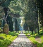 Antyczny Appian sposób Appia Antica na pogodnym wiosna ranku w Rzym, obrazy stock