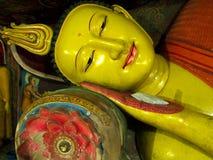 Antyczny Buddha opiera statuę, Sri Lanka Zdjęcie Royalty Free