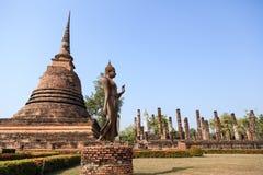 Antyczny Buddha wizerunek przy Sukhothai dziejowym parkiem Fotografia Royalty Free