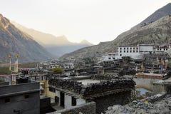 Antyczny Buddyjski monaster w Nepalskiej górskiej wiosce Obraz Stock