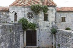 Antyczny budynek w starym miasteczku Budva fotografia royalty free