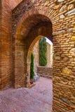 Antyczny ceglany przejścia drzwi w sławnym losie angeles Alcazaba w Malaga Obraz Stock