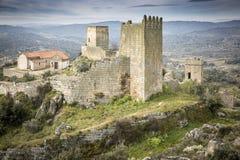 Antyczny forteca i kasztel w Marialva dziejowej wiosce Fotografia Royalty Free