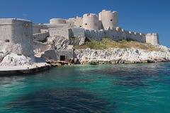 Antyczny forteca na brzegowym górskiej chaty d'If, Marseille, Francja fotografia royalty free