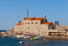 Antyczny forteczny Castello na Adriatyckim morzu Fotografia Royalty Free