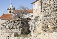 Antyczny kamień zrobił domom i kościół w Castelo Bom Fotografia Stock