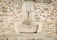 Antyczny kamień zrobił wodnej fontannie Zdjęcie Stock