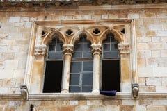 Antyczny kamienny ornamentu okno Obraz Royalty Free