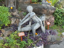 Antyczny masażu przykład kamienne statuy z powodów Wata Pho świątyni Obraz Royalty Free