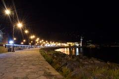 Antyczny miasteczko Nesebar ochraniał kolory wykładają noc fotografię Kamienna ścieżka plaża, miasto zaświeca obrazy royalty free