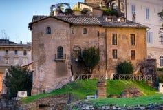 Antyczny mieszkaniowy kamienia dom w centrum Rzym Włochy Zdjęcie Royalty Free
