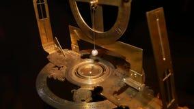 Antyczny morski astrolabium Miara szerokości i longitude zdjęcie wideo