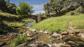 Antyczny most w ruinach Zdjęcia Stock