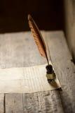 Antyczny pióro, inkpot i papier, Obrazy Stock